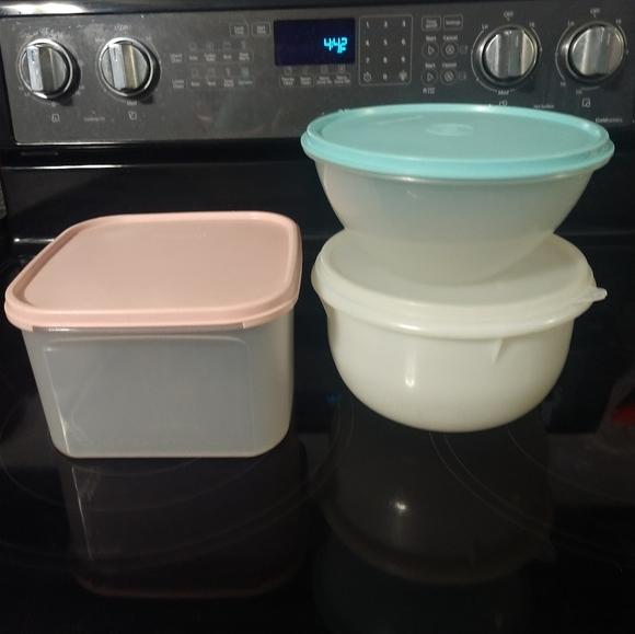 Set of 3 Vintage Tupperware